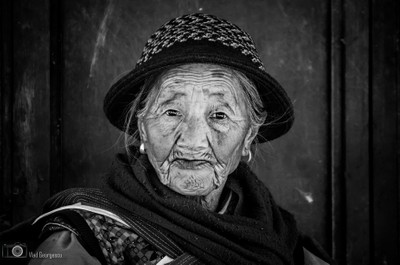 B&W portrait of old Chinese woman