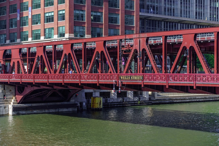 "Wells Street Bridge in Chicago. This also caries the ""L"" tracks from the north side of ..."