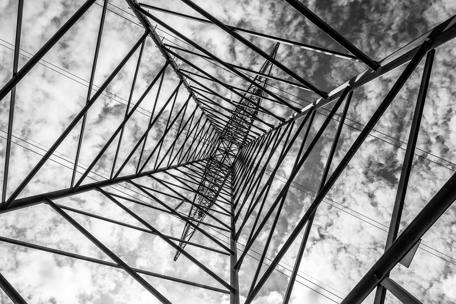 I saw this powerpylon, while out shooting some photoes, and thought about the great lines there c...