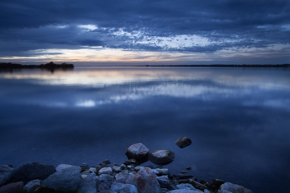 Quinte's bay is right of Ontario lake. This one was taken in the north port.