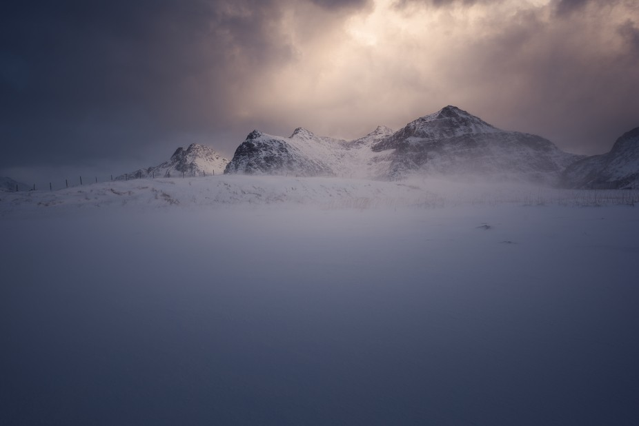 Ever since I first saw snowdrifts I knew I had to use them in a composition. While visiting Skags...