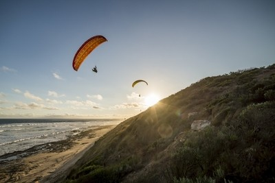 Paragliders at 13th Beach