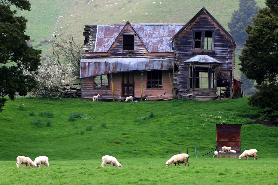 Old Abandoned House (2) Wakefield, Nelson, New Zealand.  Photo Taken With Canon EOS 70D