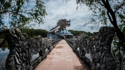 The path to the dragon
