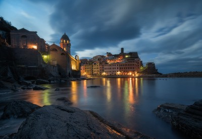 Early morning lights in Vernazza